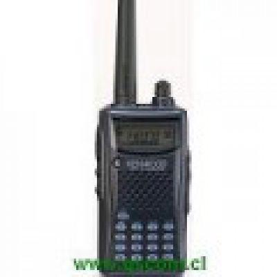 PORTATIL VHF KENWOOD AMATEUR C/ CARGADOR MURAL BC-21E Y BATERIA Ni MH PB-43N
